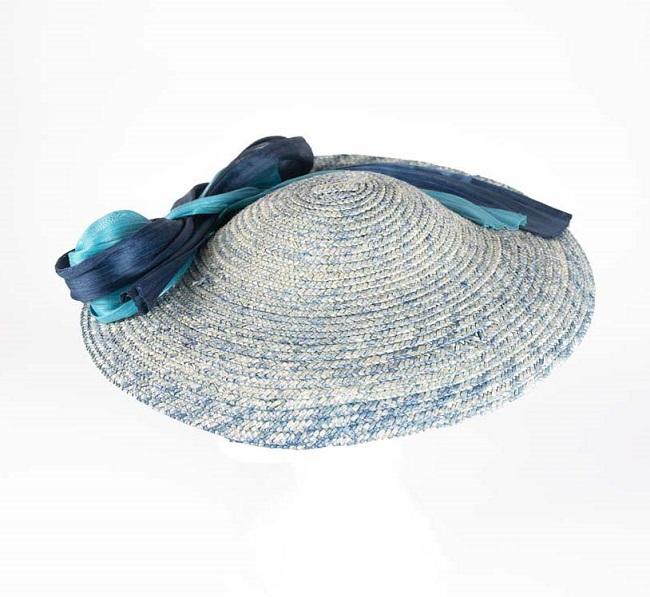 Tocado plato azul paja varios tonos - Sombrerería Matilde Falcinelli