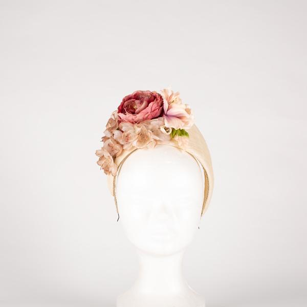 Diadema flores tipo tiara alta - Sombrerería Matilde Falcinelli