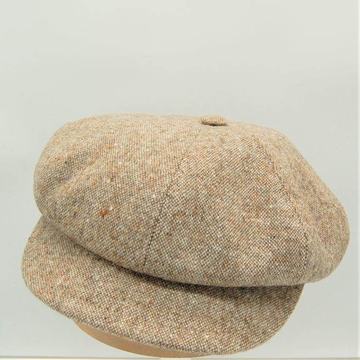 Gorra Newsboy en tweed beige - Sombrerería Matilde Falcinelli