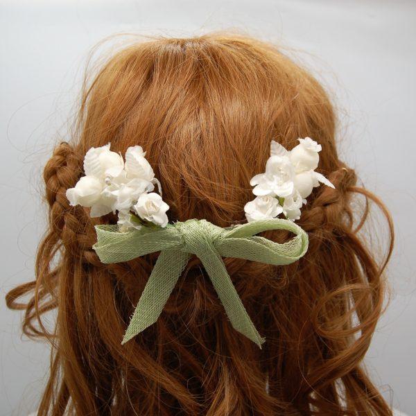 Horquilla lazo y flores comunión - Sombrerería Matilde Falcinelli