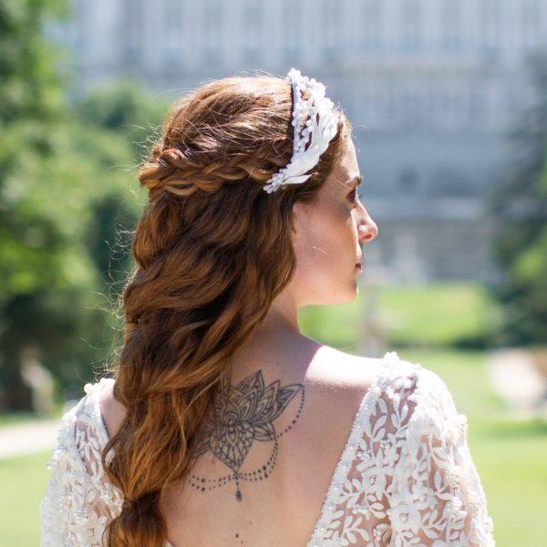 Tiara de porcelana Dafne - Sombrerería Matilde Falcinelli
