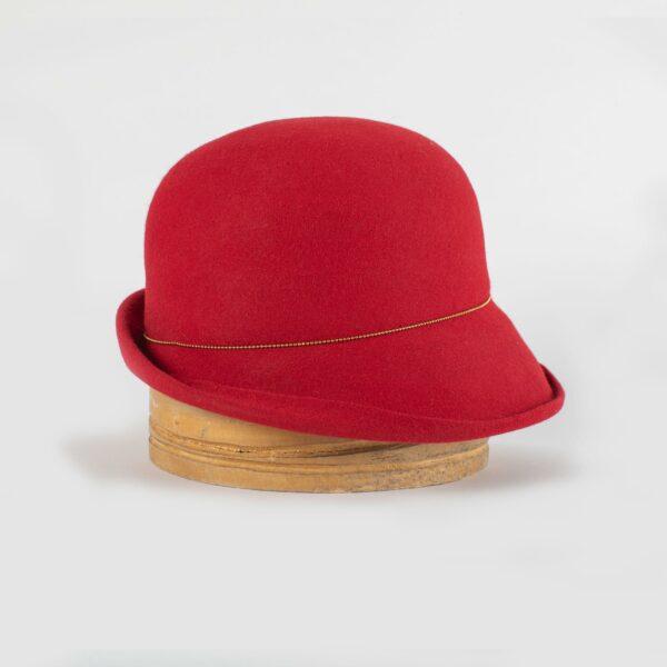 Sombrero cloché en fieltro rojo