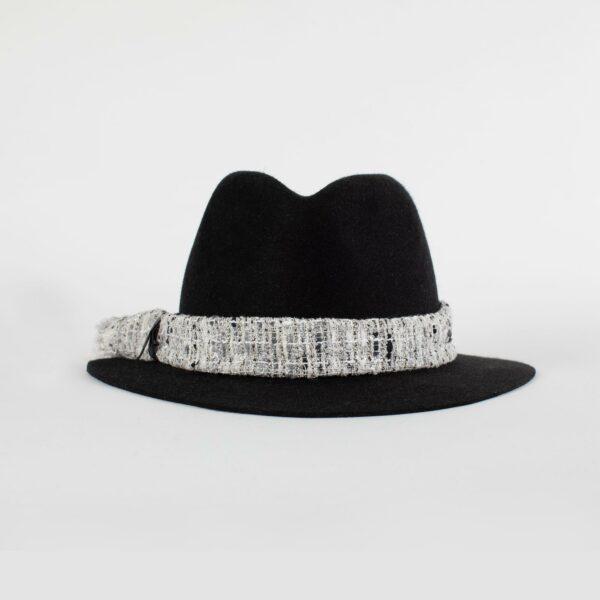 Sombrero fedora de ala ancha
