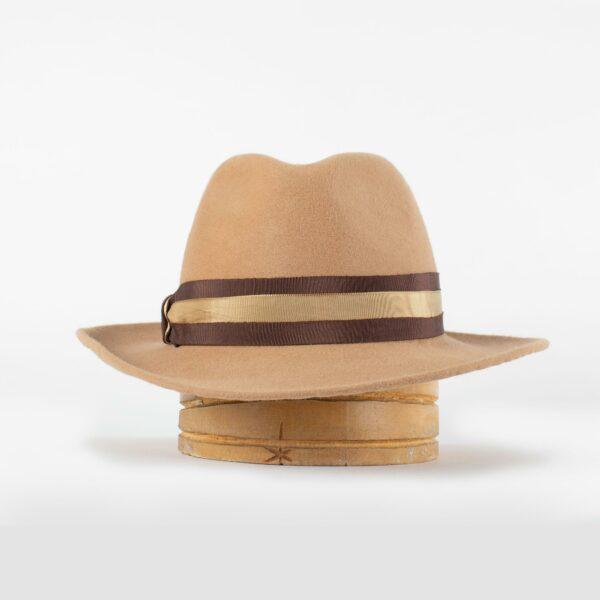 Sombrero fedora de mujer con ala irregular