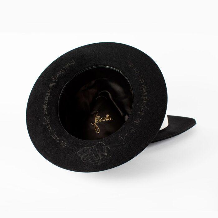 Fedora negro grabado edición especial Shallow