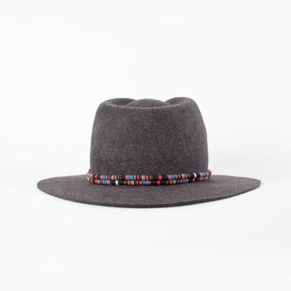 Sombrero fedora gris cinta étnica